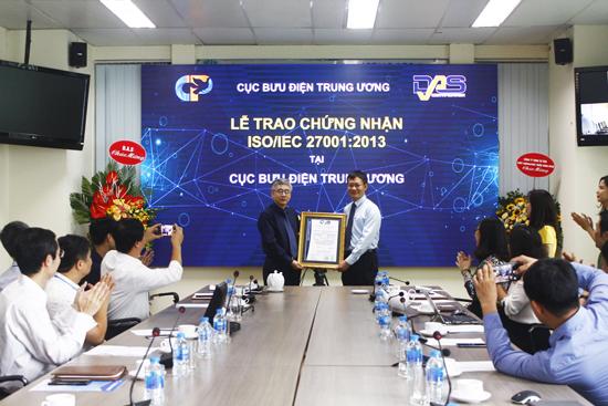 Cục Bưu điện Trung ương đạt chứng nhận hệ thống quản lý an toàn thông tin theo tiêu chuẩn ISO/IEC 27001:2013