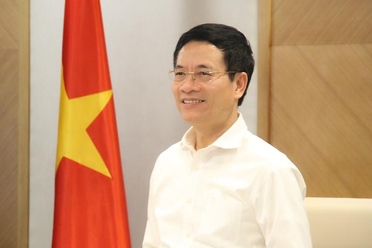 Bộ trưởng Nguyễn Mạnh Hùng gửi thư chúc mừng 76 năm Ngày Truyền thống ngành Thông tin và Truyền thông