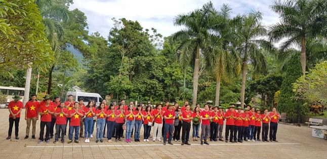 Chương trình về nguồn, dâng hương của Đảng ủy Cục BĐTW tại Nghĩa trang liệt sỹ Vị Xuyên và Đài hương tưởng niệm trên Cao điểm 468 ở Vị Xuyên, Hà Giang
